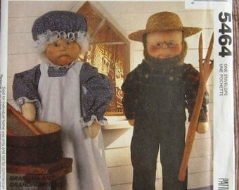 Grandma and Grandpa Dolls and Clothes McCalls Crafts Pattern 5464 or 705 UNCUT