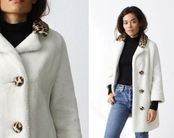 White Faux Fur Coat S/M • 60s Mod Leopard Coat • Faux Fur Jacket • White Coat • 60s Coat • Winter Coat • Leopard Jacket   | O323