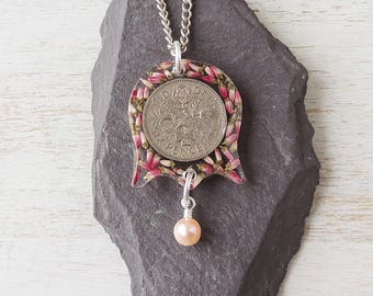 1957 Sixpence Flower Necklace, 60th Birthday, Heather Sixpence Coin Resin Pendant, 1957 Birthday Anniversary, Resin Jewellery, UK, 002a