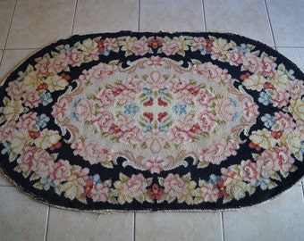 Vintage Oval Roses Throw Rug. Shabby Cottage Chic Cabbage Roses Wool Rug. Antique Floral Rose Rug. Shabby Roses Rug