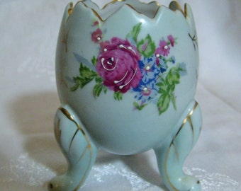 Vintage Napcoware Porcelain White Cracked Egg Vase, Hand Painted, Triple Leg, Gold Leaf Trim, Japanese Porcelain, 4 Inches Tall , 1 Pc.