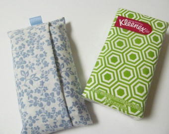 Tissue Case/Pale Blue Flower
