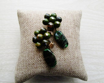 HATTIE CARNEGIE Pendant Drop Earrings, Green Bakelite and Stone Clip Earrings, 1960s Designer Earrings
