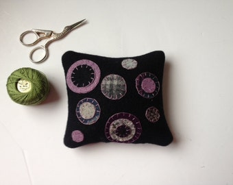 Primitive Penny Rug Wool Applique Pincushion  JKB