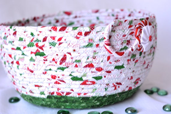 Decorative Christmas Bowl, Homemade Christmas Gift Basket, Holiday Decoration,  Holiday Table Decor, Handmade Coiled Basket