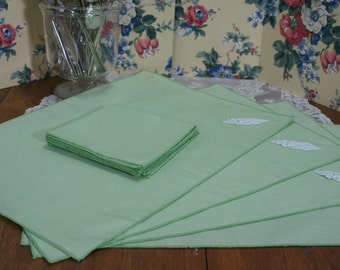 Lime Green Mid-Century Placemats and Napkins Set of 4