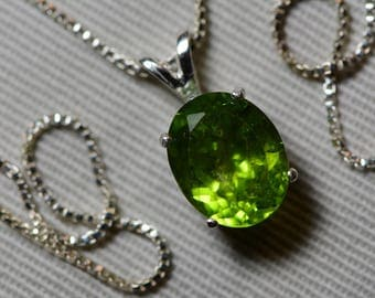 "Peridot Necklace, Peridot Pendant 4.35 Carats Appraised At 425.00 On 18"" Sterling Silver Necklace, Genuine Peridot Jewelry August Birthstone"