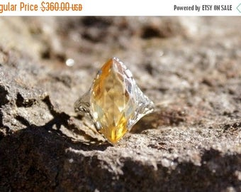 Spring SALE Art Deco  Citrine and White Gold Filigree Ring