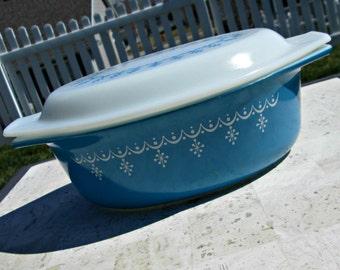 Vintage Pyrex Aqua Blue Casserole with Garland Snowflake Pattern & White Milk Glass Lid - Blue Atomic Starburst Pyrex Covered Casserole Dish