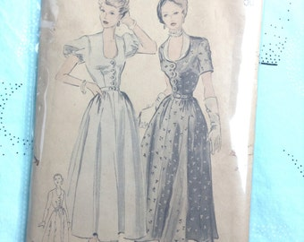 Vintage Butterick 4887 Scalloped Shirtwaist Dress Sewing Pattern 32 Inch Bust