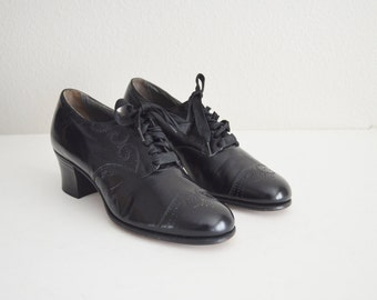 vintage NOS 30s 40s red cross shoe black leather chunky heel oxford granny lace up brogue -- womens size 6.5