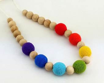 Rainbow nursing necklace, crochet wooden teething- breastfeeding necklace
