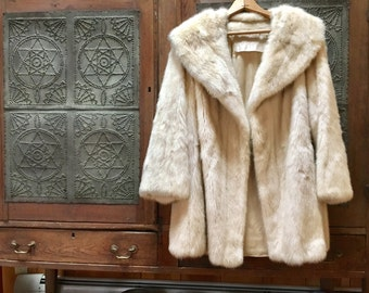 Vintage Blonde Mink and Leather Jacket - L.S. Ayres & Co., Indianapolis - White Cream Mink size Medium - Removable Leather Belt