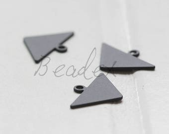 4 Pieces / Matte Black Plated / Brass Base / Arrow / Triangle / Charm (C3712//G1091)