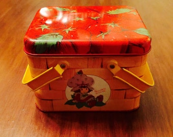 Vintage Strawberry Shortcake Collectible Shortbread Basket Style Tin with Handles 1980s