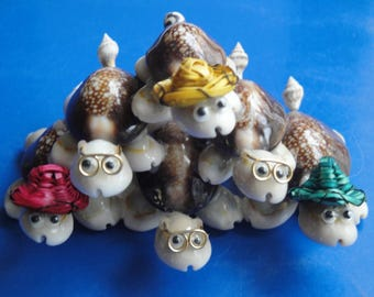 Sea Shell 6-Turtle Pyramid Figurine