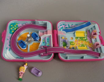 Complete. 1989 Polly Pocket POLLY WORLD. FuN FaIR. Amusement Park. Rollercoaster. Rocket Ride. Pink Square Compact. Bluebird Toys. Play Set