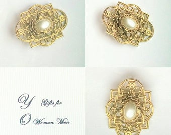Dress Clip Signed JJ Faux Pearl Gold Tone Filigree Vintage Bridal Sash Jewelry Jewellery Accessories Mid Century Waldorf Gift Guide Women