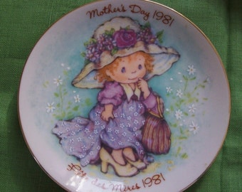 Mothers Day - Avon Mothers Day 1981 plate, Fete des Meres 1981