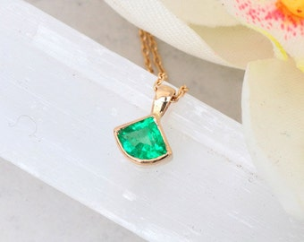 Fancy Shape Natural Emerald Yellow Gold Layering Necklace by Pristine Jewelry