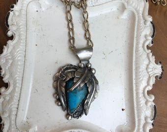 Turquoise and leaves pendant necklace