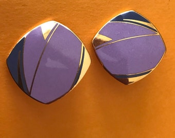 Lovely signed Isle of Skye cloisonné enamel lavender and blue pierced earrings