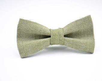 Mens Bowtie in Sage Green Linen, Light Green Bow Tie, Green Bow Tie, Groomsmen Bow Tie, Wedding Bowties, Rustic Wedding