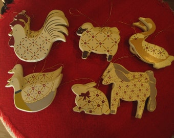 16 Wooden Barnyard Animal Christmas Ornaments, Chickens, Pigs, Ducks Horse
