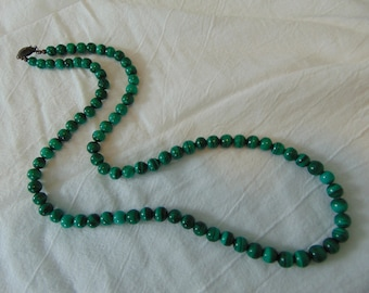 vintage genuine malachite beaded necklace green