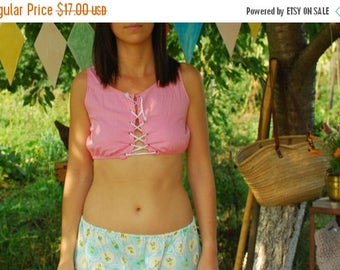 SALE Pink  Crop Top VINTAGE 90s front cord top
