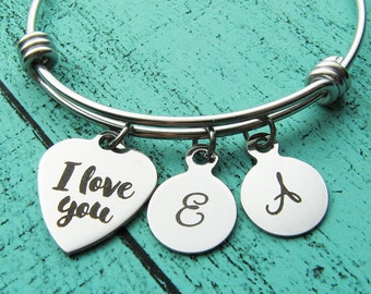wife gift, personalized girlfriend gift, I love you bracelet, anniversary gift for her, romantic gift for girlfriend, fiance wedding gift