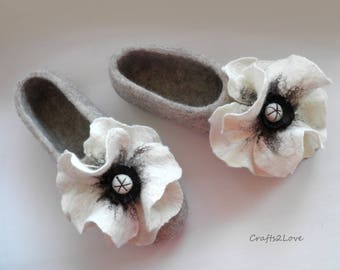 Felted slippers- Wool slippers- felted wool womens slippers - house shoes with white poppies -  outdoor wear soles,  Made to order -