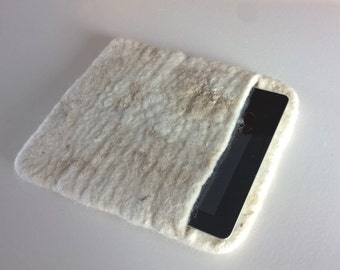 Beau - Wool iPad sleeve, felted iPad cover felted wool iPad case, sheepskin iPad sleeve, felt eco skin, Dutch design