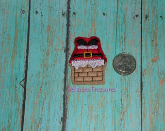 Santa Claus in Chimney Feltie -Small Red and Brown felt - Great for Hair Bows, Reels, Clips and Crafts - Christmas / Winter