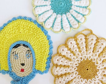 Vintage Mid Century Crochet Pot Holders, Set of 3 Hot Pads, Girl with Bonnet Flowers, Handmade Potholders, Retro 40s 50s Kitchen Accessories