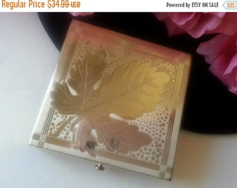 Now On Sale Dorset 5th Ave Powder Compact, 1950's Collectible Vanity Home Decor, Vintage Beauty, Purse Accessories, Hollywood Regency