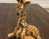 Vintage giraffe with baby figurine uctci made in japan non glossy