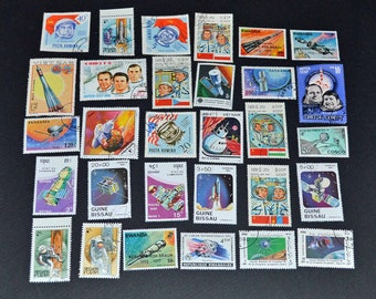 50 space stamps from around the world very fine condition B96