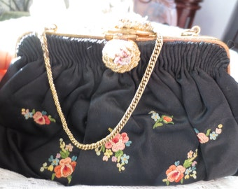 Beautiful Hand EMBROIDERED Silk FRENCH PURSE