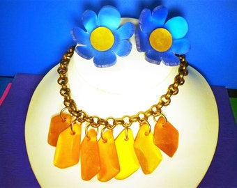 huge, bold THICK LUCITE FLOWER Set Necklace & Clip Earrings Vintage Moon Glow plastic 1980's Dangle jewelry 80's thermoset