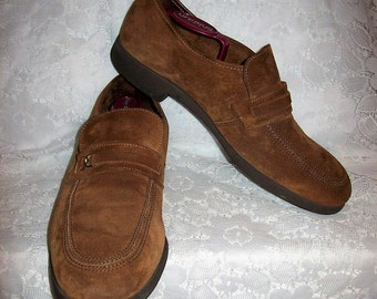 Vintage 1970s Men's Brown Suede Leather Slip Ons Loafers by Florsheim Size 10 1/2 Only 7 USD