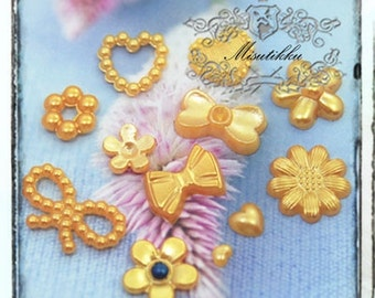 20/ 50/100 (Pick Your Style) Gold Yellow Pearlized Heart Ring Daisy Pearl Ribbon Flower Bow Small Tiny Mini Bowtie Pearl Cabochon GK.ZY