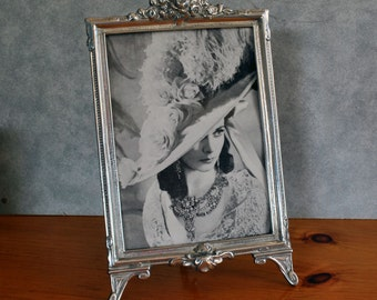 Items Similar To Elegant Frame For Mother Mom Holds 4x6