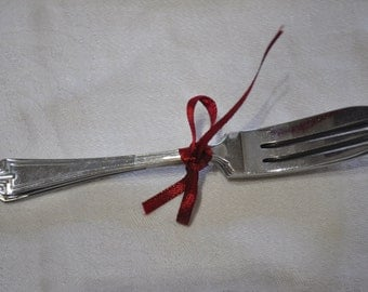 Vintage Set of 4 CWS Chrome Cake Forks, 5 inches long