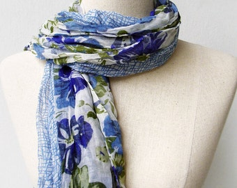 Blue Floral Print Wrinkled Scarf Shawl
