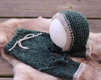 newborn photography prop, lux winter dark green soft yarn bonnet hat and pant set newborn 0-2 weeks, baby shower gift, photo prop
