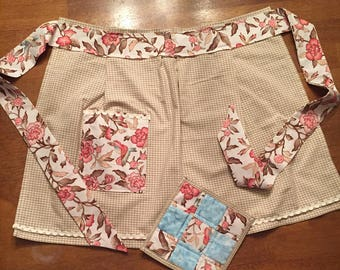 Womens waist apron with matching hot pad
