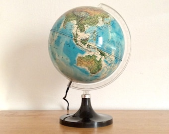 Vintage illuminated world globe, light-up globe by Edizione Nova Rico of Florence for the Dutch market