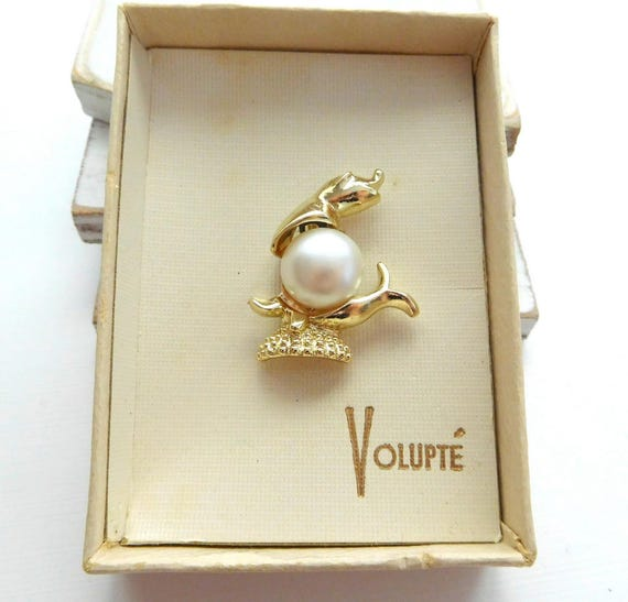 Vintage Volupte Gold White Faux Pearl Dolphin Sea Lion Nautical Brooch Pin U2