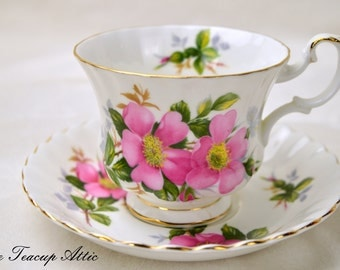 Royal Albert Prairie Rose Teacup And Saucer Set, English Bone China Tea Cup Set, Vintage Porcelain Tea Cup,  ca. 1980-1991